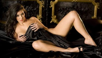 Kim Kardashian continua sa fie una dintre cele mai dorite femei din lume desi are doar 1,57m