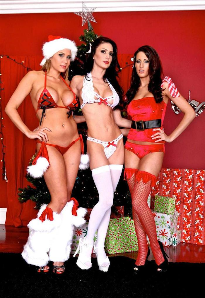 kortney-kane-and-two-girlfriends-fuck-santa-claus-11