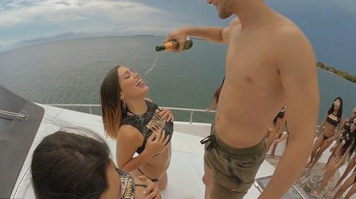 Oferta inedita pentru turisti. Vacanta cu mult sex si droguri