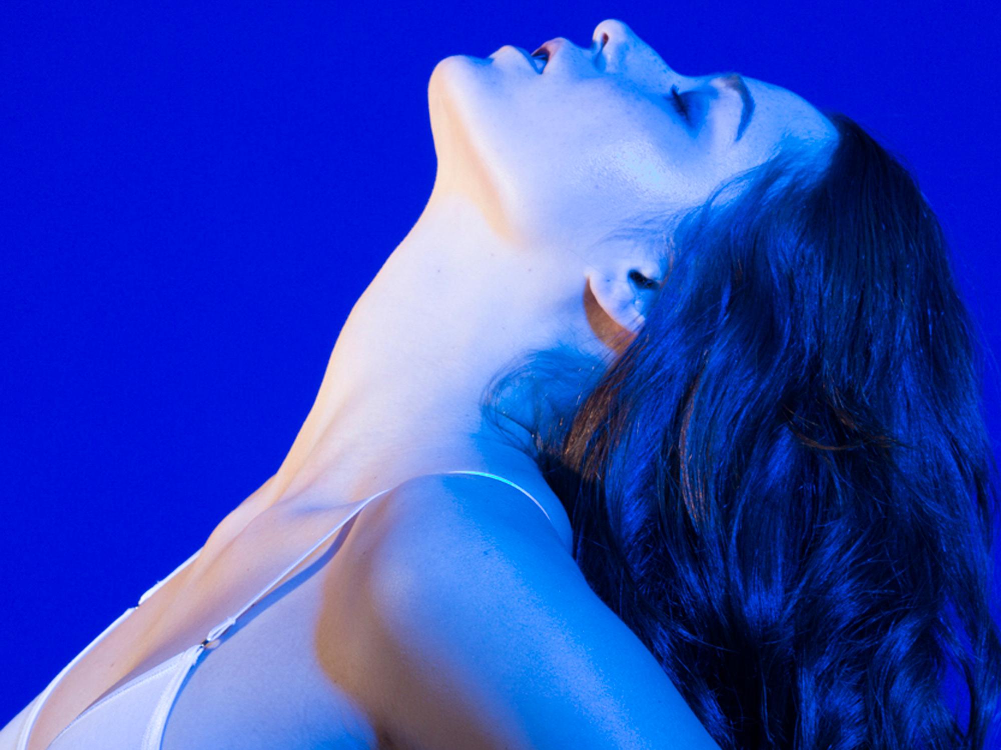 vulva albastră